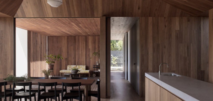 Interlinked beach house – Point Lonsdale